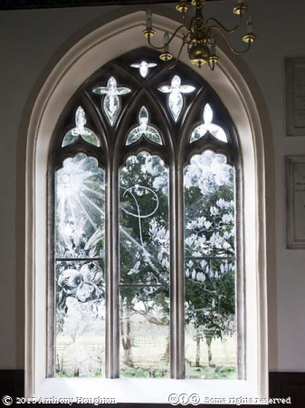 Trinity Chapel Window,St Nicholas Church,Moreton,Laurence Whistler