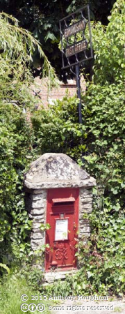Postbox,Edmondsham