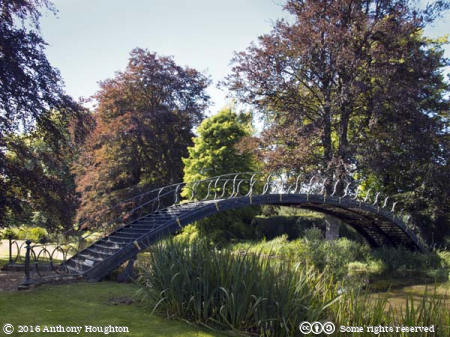 Footbridge,Avington Park,Garden